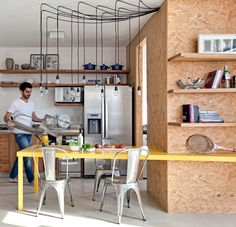 totally in love with this kitchen #plywood #decor #cozinhas #kitchens #yellow #home #furniture #homedecore #beautiful #carde #putdownyourphone #decore #cool #amazing