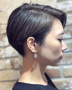 Pin on hair styles Pin on hair styles Short Hair Cuts For Women, Girl Short Hair, Short Hair Styles, Asian Short Hair, Asian Hair, Cut My Hair, Love Hair, Great Hair, Cool Short Hairstyles