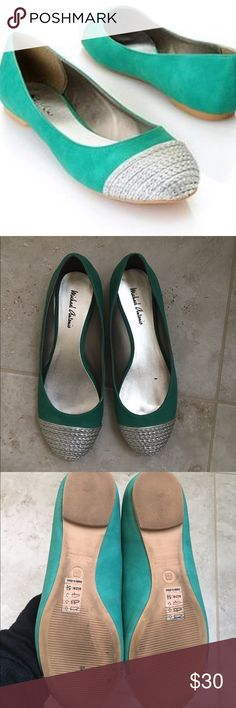 ✳️Michael Antonio silver cap, teal flats, sz 5.5 ✳️Michael Antonio silver cap, teal flats, sz 5.5, in like new condition, worn a few times so the sole is used but all else like new! Super cute and unique flat design Shoes Flats & Loafers