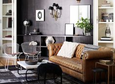 black wall, chesterfield sofa Nate Berkus in his Los Angeles Home Nate Berkus, Chesterfield Sofas, Leather Chesterfield, Leather Sofa, Dark Furniture, Home Furniture, Furniture Design, Living Room Decor, Living Spaces