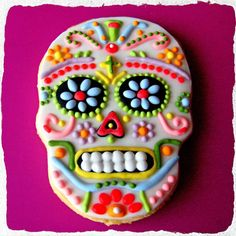 Day of the Dead cookie Halloween Sweets, Cute Halloween Costumes, Halloween Cookies, Holiday Cookies, Halloween Decorations, Halloween Meals, Spooky Halloween, Iced Cookies, Sugar Cookies