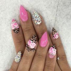 Nail inspo from @nailsbymztina