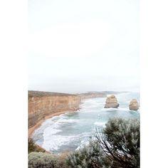 """93 curtidas, 7 comentários - Francine Dezidério (@frandeziderio) no Instagram: """"Great Ocean Road. . . . #greatoceanroad #victoriastate #vic #australia #twelveapostles #natural…"""""""