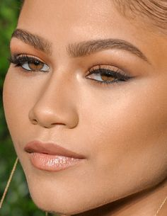 zendaya zendaya makeup make-up red carpet celebrity celebs celeb celebrities celebrityclose-up.com