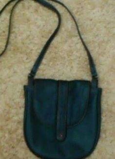 Kup mój przedmiot na #vintedpl http://www.vinted.pl/damskie-torby/torby-na-ramie/9957068-niebieska-skorzana-torebka-batycki
