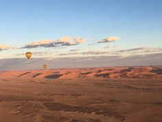 Road Trip en famille Sossusvlei, Desert, Hot air balloon, Namibia Road trip Poesy by Sophie Road Trip, Namib Desert, New Adventures, Balloons, Air Balloon, Mount Everest, Grand Canyon, Deserts, Mountains