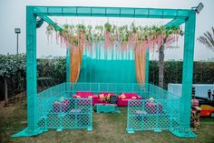 Fairytale weddings just capture your heart and inspire you to dream bigger! This was one such fairytale affair. This stunning wedding in Ludhiana, Punjab had a dreamy sangeet, a beautiful day mehendi .