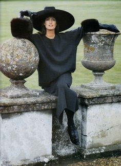 Yasmeen Ghauri, photo by Eric Boman, Vogue UK, 1989 Vogue Uk, Cindy Crawford, Christy Turlington, Photo Trop Belle, 80s Fashion, Vintage Fashion, Mode Simple, Original Supermodels, Niki Taylor