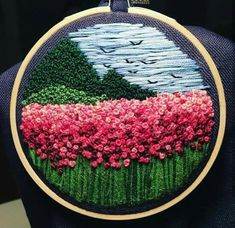 Wonderful Ribbon Embroidery Flowers by Hand Ideas. Enchanting Ribbon Embroidery Flowers by Hand Ideas. Sashiko Embroidery, Japanese Embroidery, Hand Embroidery Stitches, Silk Ribbon Embroidery, Embroidery Hoop Art, Embroidery Patterns Free, Hand Embroidery Designs, Embroidery Techniques, Cross Stitch Embroidery