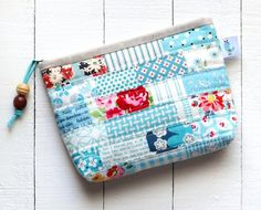 Sewing Bags Retro PDF Scrappy Zipper Pouch Sewing Pattern in 3 sizes Quilted Gifts, Quilted Bag, Bag Patterns To Sew, Sewing Patterns, Tote Pattern, Zipper Bags, Zipper Pouch, Pouch Bag, Pouches