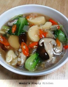 sapo tahu jamur pedas Healthy Meals For One, Healthy Dessert Recipes, Vegetarian Recipes, Easy Meals, Soup Recipes, Cooking Recipes, Malay Food, Tofu Dishes, Malaysian Food