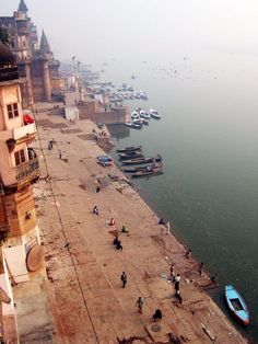 Ganges River, Varanasi, India - The most polluted river in the world and the lifeline to millions of Indian who live along its course Rishikesh, Wonderful Places, Beautiful Places, Travel Around The World, Around The Worlds, Places To Travel, Places To Visit, Amazing India, Into The West