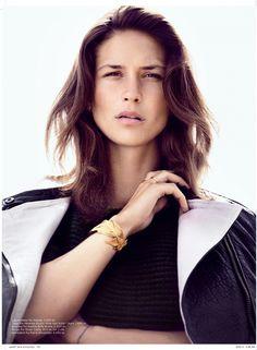 Emma Leth. - make up- less is more