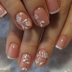 ideas french pedicure with rhinestones flower nails Pink Tip Nails, Tulip Nails, French Manicure Acrylic Nails, Oval Acrylic Nails, Hot Nails, Green Nails, Flower Nail Art, French Pedicure, French Nail Art