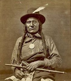 Little Wound aka Ta-oop-che-ka - Oglala Sioux Chief 1876 Native American Images, Native American Beauty, Native American History, Native American Indians, American Symbols, American Women, American Art, Navajo, Oglala Sioux