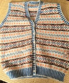 #fashionistas! #PrinceofWales, authentic, handknit, #FairIsle waistcoat. Customer didn't like the orange (sigh)! #samplesale £245.00 Use T link to order - normal five month wait!