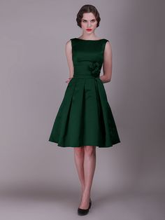 Vintage Bridesmaid Dress with Pleated Skirt and Rose Details I love the cut of these dresses.