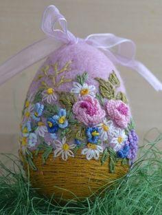 Handmade Needle Felted Pink Egg Easter Artist Spring Basket of Flowers Wool 3in