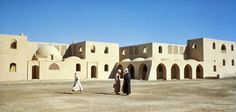 Steet in New Gourna in the 50s. ©Aga Khan Trust for Culture / Christopher Little (Courtesy of  the Aga Khan Trust for Culture and The American University of Cairo)