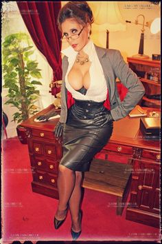 leatherpaula:  Corset, leather skirt and suspender bumps! What's not to like