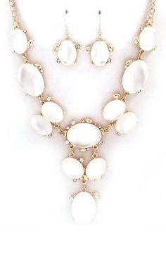 Charlie Necklace Set in White Lucite