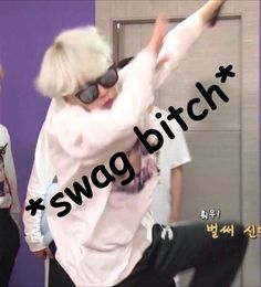 Bts Yoongi, V Taehyung, Jimin, Funny Reaction Pictures, Meme Pictures, Bts Memes Hilarious, Stupid Memes, Bts Meme Faces, Funny Faces