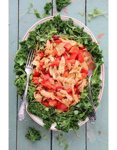 Lämmin lehtikaalisalaatti // Warm Kale & Watermelon Salad Food & Style Sari Kalliomäki, Tyrniä ja tyrskyjä Photo Sari Kalliomäki, www.maku.fi