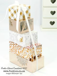 Stampin' Up! Demonstrator Pootles Advent Countdown 2017 #5 Year Of Cheer Ladder Stack Click through for more details and video tutorial of how to make this ladder stack of nesting gift boxes!