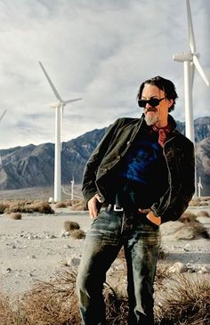 Tommy Flanagan // Chibs // Sons Of Anarchy // I'm Not Really Sure What's Going On In This Picture ... I Love This Sillyness