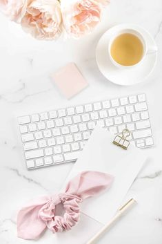 Transaction Coordinator, Feminine Office, Office Images, Office Branding, Business Checks, Co Working, Blogger Tips, Creating A Brand, Pretty In Pink