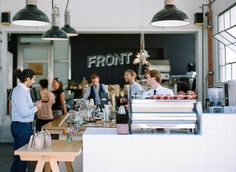 Get Worthy Granola served up in style here at Front Cute popup style coffee place open on the street Cafe Bistro, Cafe Bar, Cafe Restaurant, Restaurant Design, Popup, Cosy Cafe, Cafe Counter, Cafe Concept, Hotels