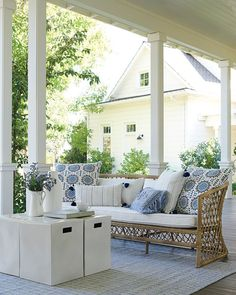 Living Pool, Outdoor Living, Outside Living, Modern Farmhouse Porch, Farmhouse Front, Outdoor Furniture Sets, Outdoor Decor, Rustic Furniture, Furniture Ideas