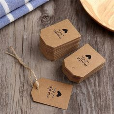 Paper Tags, Kraft Paper, Love Gifts, Diy Gifts, Handmade Gift Tags, Diy Gift Tags, Gift Cards, Gift Labels, Label Tag