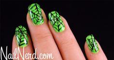 green Halloween nails!
