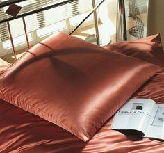 silk-bedding-cellini-design-seidenbettwaesche-104 #Silk pillow case, bedsheet and duvet cover made in Germany by #Cellini Design. Custom sizes possible. #Seidenbettwäsche aus reiner #Seide von #Spinnhütte Cellini Design aus Deutschland.