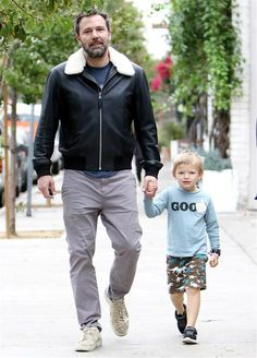 """Ben Affleck recently revealed on """"The Graham Norton Show"""" that while he was in London shooting """"Justice League,"""" he took his son Samuel, 4, to an indoor play park where none other than Prince George and Princess Charlotte were running around. Unfortunately for Samuel, he left the royal playdate with something unexpected -- a cold! Ben, however, saw the bright side, noting, """"I can now tell him that he got a cold from the King of England!"""""""
