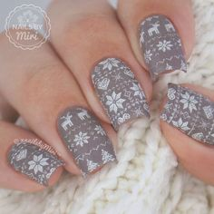 "Miriam || Nails by Miri on Instagram: ""Christmas Sweater Print ❄️ I used stamping plate ""BP-L018"" by @bornprettystore ❄️ use my discount code ""MIRW10"" for 10% off❣ . Colors: Essie - Chincilly Essence - Stamp Me! White + Matte Top Coat (from DA) . ‼️Tutorial on my YouTube‼️ #christmasnailart #christmassweater #christmassweaternails #bornprettystore #bpL018"""