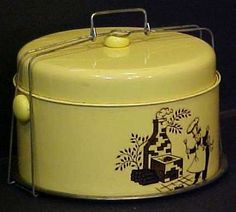 Vintage yellow tin barbecue patio Mid-Century cake and pie round carrier saver Kitchen Black, Black Kitchens, Pie Carrier, Enamel Ware, Take The Cake, Cake Stands, Vintage Tins, Cake Plates, Vintage Yellow
