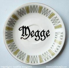 Dekorativt skål til å henge på veggen. Gave med humor til den som har alt eller til deg selv. Pen ...