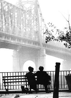 woody allen + diane keaton, manhattan (1979). classic beautiful photograph