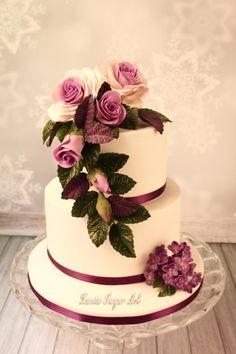 Simple Wedding Cake by Rania_Albadawy