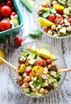 On the Mediterranean diet, you don't have to give up your favorite snacks! Check out these yummy Mediterranean-inspired snack recipes. #snackideas #mediterraneandiet