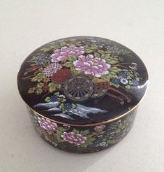 Vintage Imperial Kutani Covered Trinket Box, Mid Century, 1950s, Black Porcelain, 24K Gold Trim, Enamel Overglaze, Cart, Wagon, Flowers