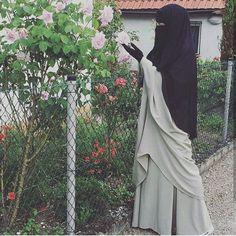"187 Likes, 1 Comments - Nasara boutique 👑 islamicpage (@niqabinworld) on Instagram: ""#tawheed #niqab #hicab #jilbab #muslimahwear #islam #quran #sunnah"""