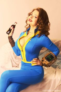 Vault Dweller (in pin-up style) from Fallout 4  Cosplayer: RGTcandy [VK | TW | YT]  Photographer: Makar Vinogradov