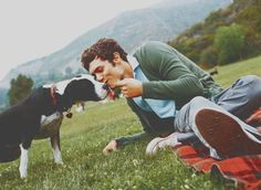 Love that Adam Brody is a dog lover. <3