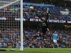 Simon Mignolet: 'Liverpool can catch Manchester City'