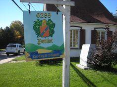 Le clos de la Chapelle, Côte de Beaupré, région de Québec, sur l'Avenue Royale -- le chemin du Roy --