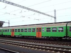 Nahverkehrswagen 2.Klasse der ZSSK am 19.03.2007 in Trnava, die Verwandschaft mit den Silberlingen ist erkennbar. Bratislava, Train, 2nd Grades, First Grade, Pictures, Strollers