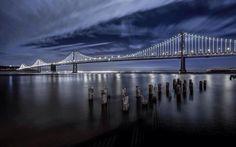 El Bay Bridge es una de las grandes obras de la ciudad de San Francisco desde que fue construida hace 76 años. Este año 2013, concretamente en Marzo, se transformó en una gran escultura luminosa mundial, la más grande e importante, gracias a un megaproyecto que coloca 25 mil LEDs blancos en su infraestructura.